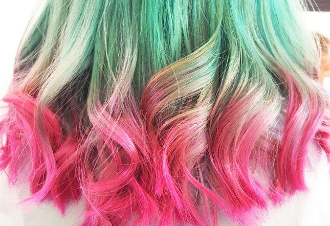 Watermeloenhaar is weer een van de laatste trends op Instagram. Overal verven mensen hun haren in roze en groen/mintkleur. Iets voor jou?  #blogfeestje van: http://www.esthetichealth.nl/