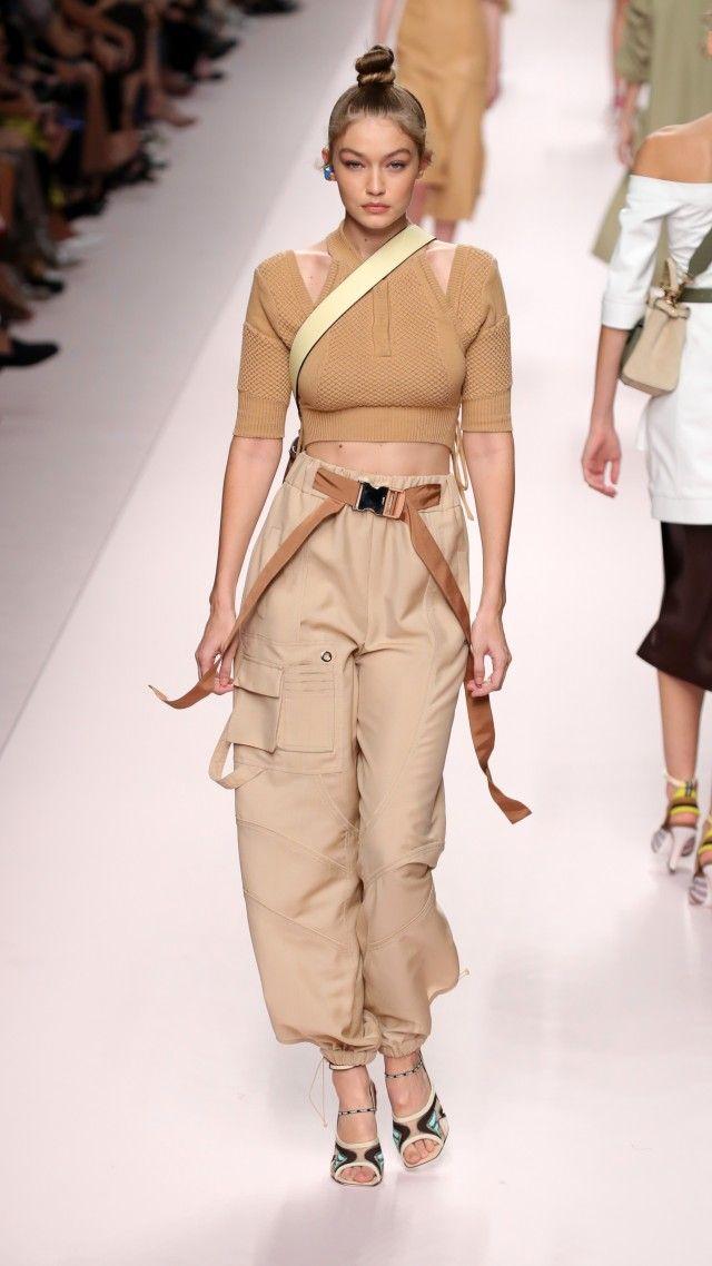 Kendall Jenner Returns to the Runway During Milan Fashion Week