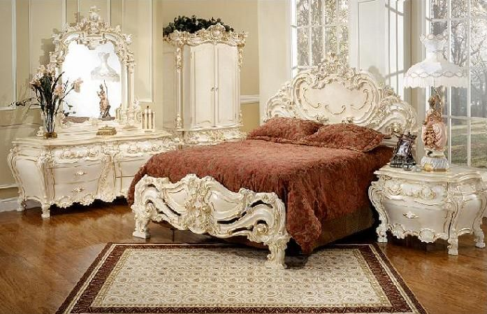 Victorian bedroom  ( almost over the top,but still <3 it. add fresh flowers, and a lovely floral bedspread)