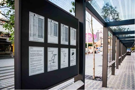 The e-paper displays show bus schedules and arrival times, as well as information about detours or new routes and city news. Image courtesy of the City of Ljubljana.