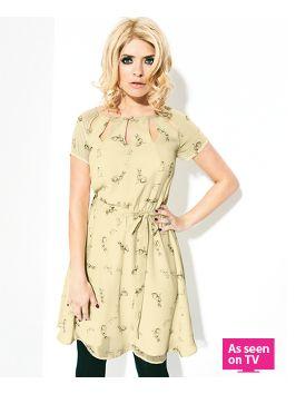 Holly Willoughby Printed Rabbit Dress So pretty! :) #VeryLovedUp