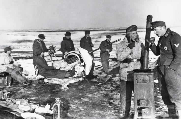 Selbstversorger:  Das Bild lügt. Suppe am Kanonenofen mitten auf dem Felde...