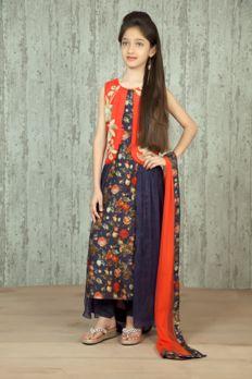 Jacket style kurta churidar embellished with crosia and kasab work with net dupatta. Item number KG16-01