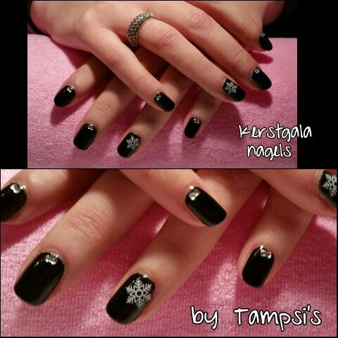 Christmas nails by Tampsi's