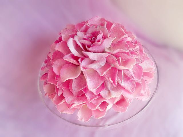 Lick The Spoon: Giant Sugared Rose Petal Cake
