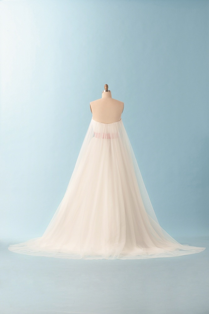 56 best disney wedding dresses images on Pinterest | Wedding frocks ...