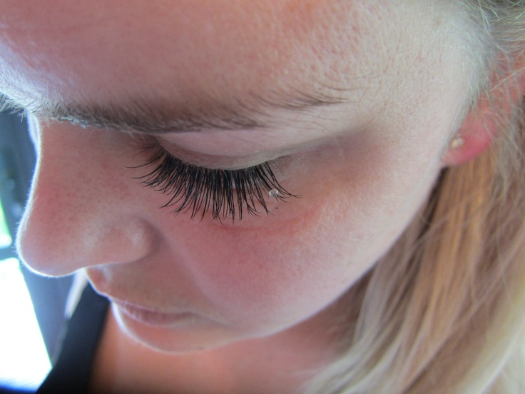A single Swarovski Lash added to a full C Curl Set for a Bride    www.starbeauty.co.nz