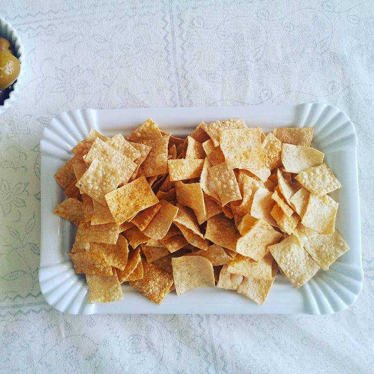 ダイエット中のおやつにも◎低カロリーな「豆腐チップス」レシピ・失敗しない作り方のコツ♪ | キナリノ