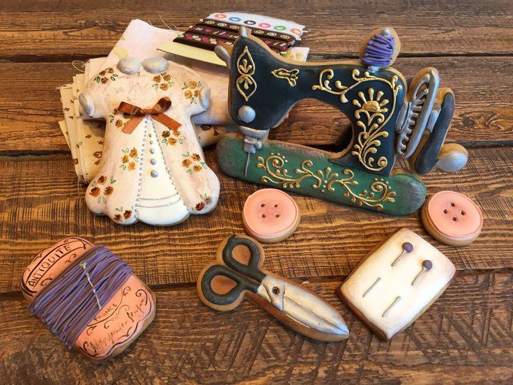 Купить Набор рукодельницы - пряники, пряники ручной работы, швейная фурнитура, медовые пряники
