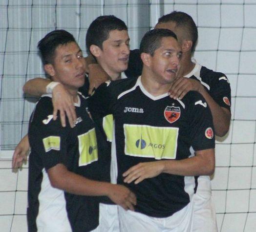 La celebración en equipo, transmite unión. #FútbolRevolucionado (Fecha 13)