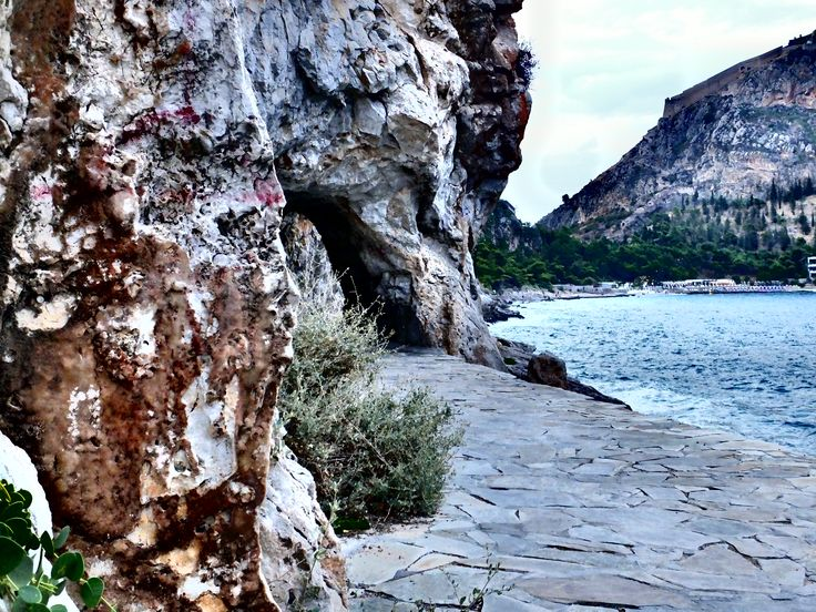 Naflpio, Cave, Arvanitia Beach,