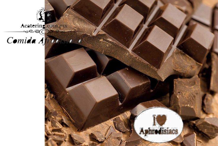 Come unos 50 gramos de chocolate negro que no contenga mucho azúcar cada día, junto con una dieta saludable y ejercicio. Este consejo te ayuda a mejorar el estado tu ànimo. #acatering @acatering #comidaafrodisiaca @comidaafrodisiaca