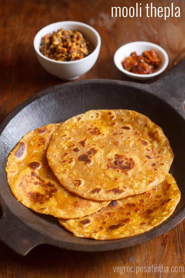 Mooli Thepla Recipe - Delicious Flat Breads made with whole wheat flour (atta), white radish (mooli) and spices.
