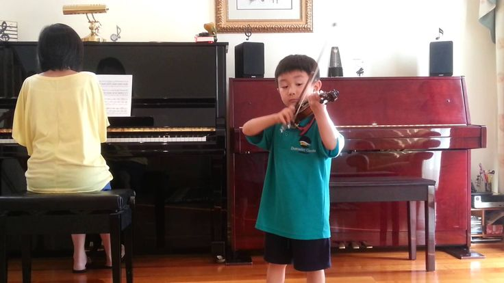 Seitz Concerto No 2, 3rd mvt; 塞兹第二协奏曲第三乐章 [He] has been learning violin for 4 months. 李映衡学习小提琴4个月,用1/10尺寸的小琴。—See more of this young violinist #from_Katacctn