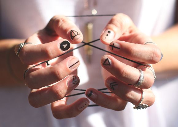 simple nail art with a nail art pen! honestly never thought about doing simple designs like this.