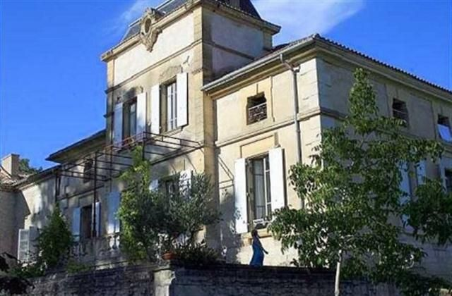 Holiday Chateau with swimming pool in Castelsagrat, - private pool, log fire, balcony/terrace, internet access, telephone, rural retreat, TV...