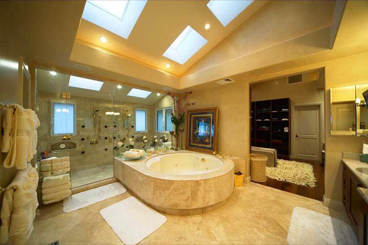 Tiger Woods beach bathroom