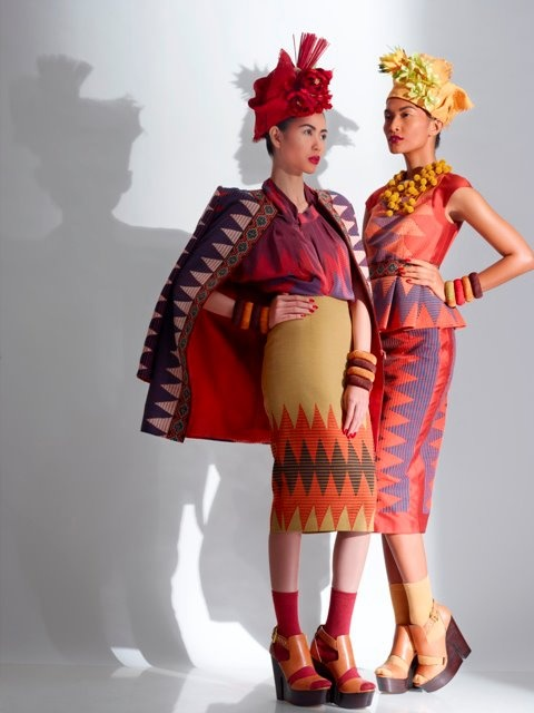 Indonesian models Advina Ratnaningsih and Vien Febrina, by Nurulita, for Priyo Oktaviano Kawaii Bali collection