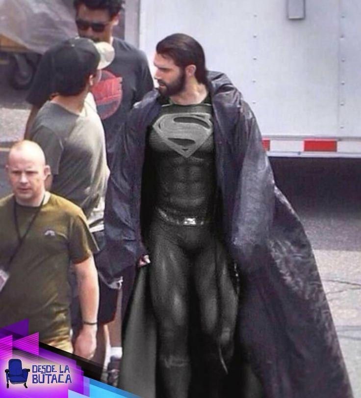 Aún seguimos esperando a saber más de #superman para #LaLigaDeLaJusticia pero de momento les dejamos está imagen y les preguntamos: creen que volverá siendo bueno o malo?
