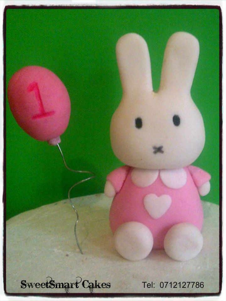 Fondant Melody Bunny with balloon. For info & orders email sweetartbfn@gmail.com