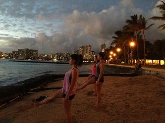 Beach | Sunset Yoga Hawaii | Wellness Retreats - Beach Yoga Hawaii on Waikiki Beach ビーチヨガハワイ