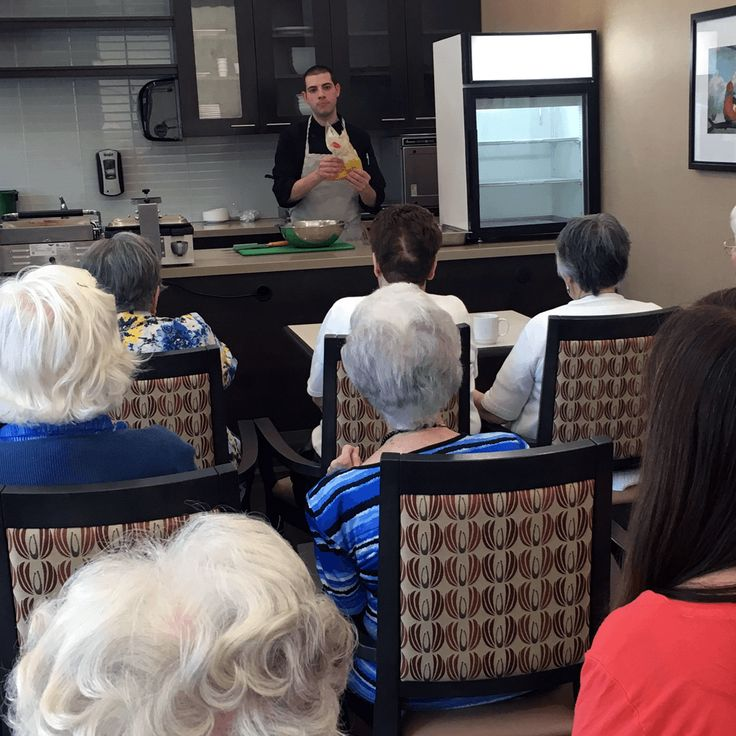 Chef Gus is at it again! The residents of #PortCreditResidences enjoyed watching Gus make Strawberry Rhubarb Crumble while drinking Rhubarb Tea. #VerveLife #LivingLovingLocal
