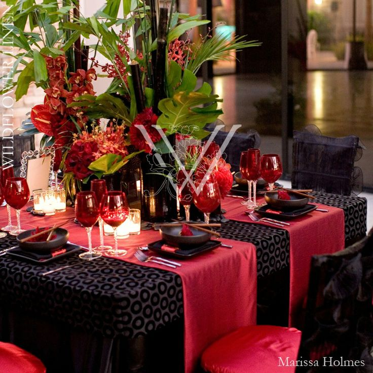 Black Red Post Wedding Party Wedding Table