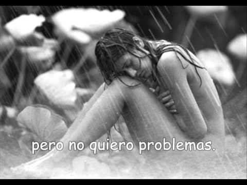 ▶ James Blunt - Tears and Rain (Subtitulado en español) - YouTube....Cómo desearía poder rendir mi alma. Deshacerme de la ropa que se convierte en mi piel. Ver al mentiroso que se quema dentro de mi necesitar. Ojala hubiese elegido la oscuridad del frío Ojala hubiese gritado fuera. En vez de no haber encontrado ningún significado...