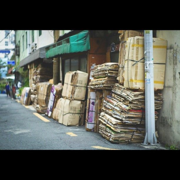 .@hunhunphoto | #KOREA#TRAVEL#BUSAN#Even in Busan the traces of age hang an in these parts#la... | Webstagram