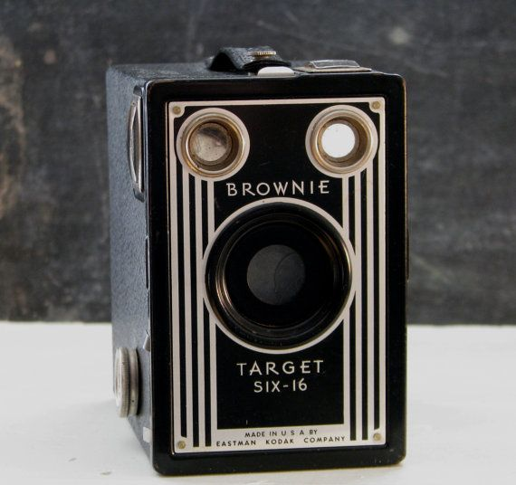 26 best Kodak Brownie Box Cameras images on Pinterest | Vintage ...