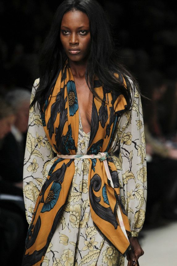 Burberry Fall 2014 inspired Friday Brown / Late Night Funk Jam 2 http://fqoto.com/fqoto-aw2014-15-015-friday-brown--late-night-funk-jam-2.html