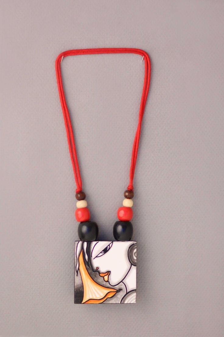 Handcrafted Neckpiece-Ladyface3