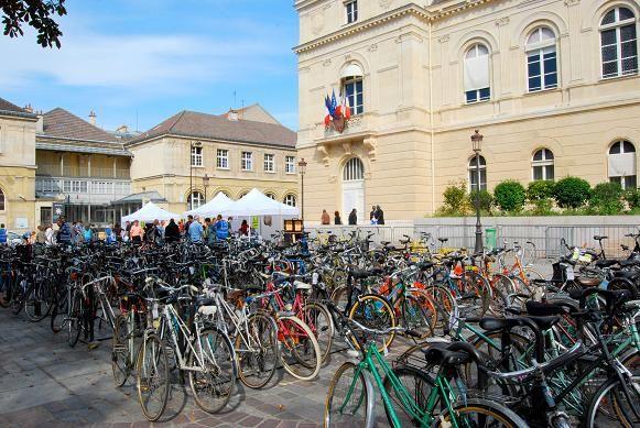 Mairie du 14ème : une bourse (aux vélos) qui résiste bien à la crise - Mieux se Déplacer à Bicyclette