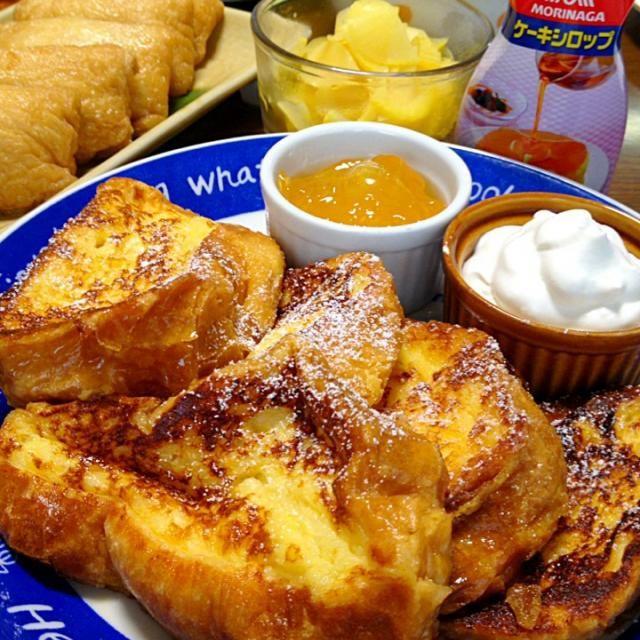 フランスパンは、吸い込みwがすっごくて、形も崩れにくいので、牛乳が多め♪中がしっとりンします☆ - 173件のもぐもぐ - フレンチトースト(フランスパン)です。漬けて焼くだけw。ほろ甘でぽわぽわ〜♪♪を、パクん☆ by ゆんゆんゅん