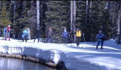 Exploring Roseburg Oregon #13: Play In The Snow At Diamond Lake #exploringroseburgoregon #diamondlake