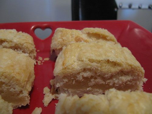 since I'm Dutch, I think I better pin a Dutch recipe :)  Banket...or almond patties!