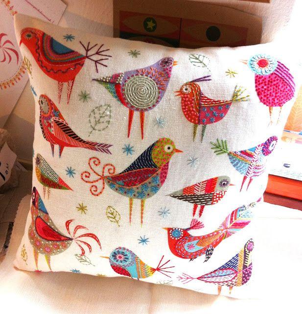 Cojín de aves danza combinan para formar un colchón de 40 x 40 cm cuadrados
