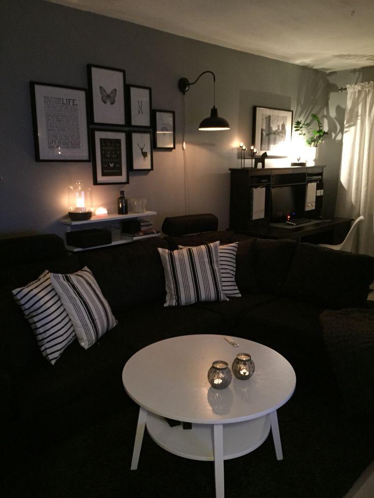 Vardagsrum, grått, svart, vitt.