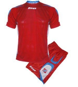 Zeus Rangers Rövid Ujjú Futball Szett frissített szálú, kényelmes, elegáns, kopásálló, könnyen száradó, tartós, karcsúsított focimez szett. A Rangers fazoncsaládhoz tartózik még, szabadidő ruha, kabát is, tehát egy meggyőző, stílusos választás. A két első szín a domináns a szettben. Zeus Rangers Rövid Ujjú Futball Szett 3 méretben és 6 színkombinációban érhető el.