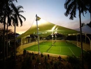 RACV Royal Pines Resort, Undercover Tennis Courts