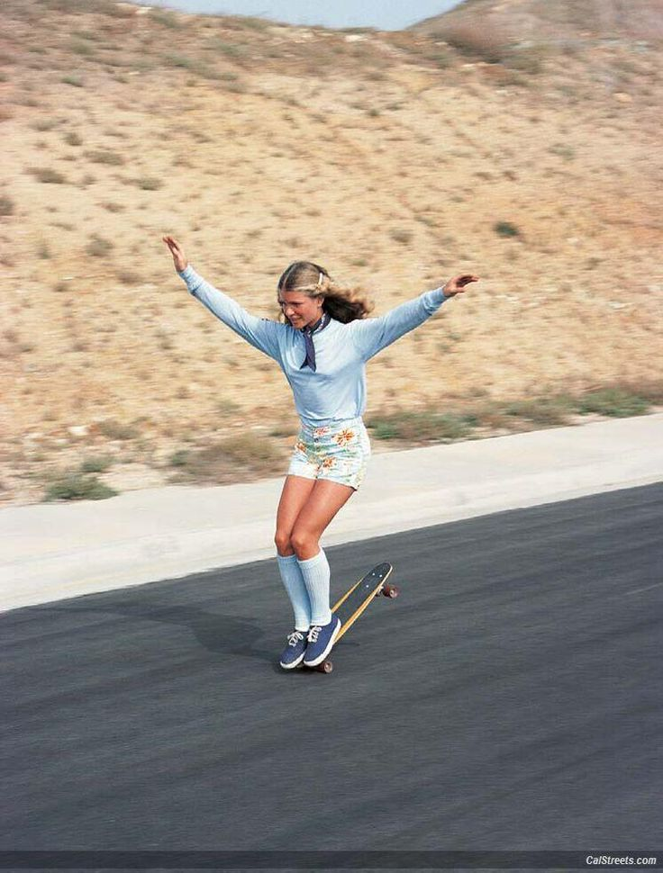 "50 Classy People From The Past Who Remind Us What ""Cool"" Really Means! Ellen O'Neal, greatest woman freestyle skateboarder 1970s."