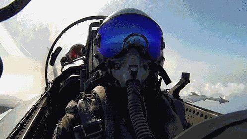 Чё за Нах?!... в Твиттере: «Когда пилотам скучно... https://t.co/986rQQ5YkS»