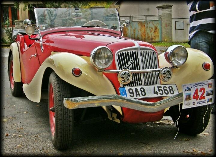 Old car - Aero