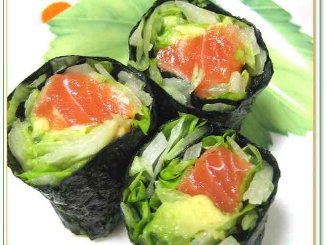 サーモン&アボカドの海苔巻サラダの画像