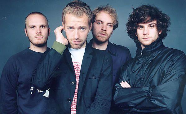 アーティストグループ・コールドプレイ。2000年にデビューアルバム「パラシューツ」が大ヒット。その後もヒット曲を世に送り出し続けている。