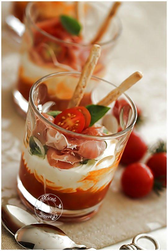 Verinne compotée de tomates, fromage frais et chiffonade de jambon