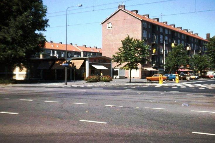 de Gruyter Burgemeester van Leeuwenlaan-hoek Burg.Roellstraat Amsterdam 1976