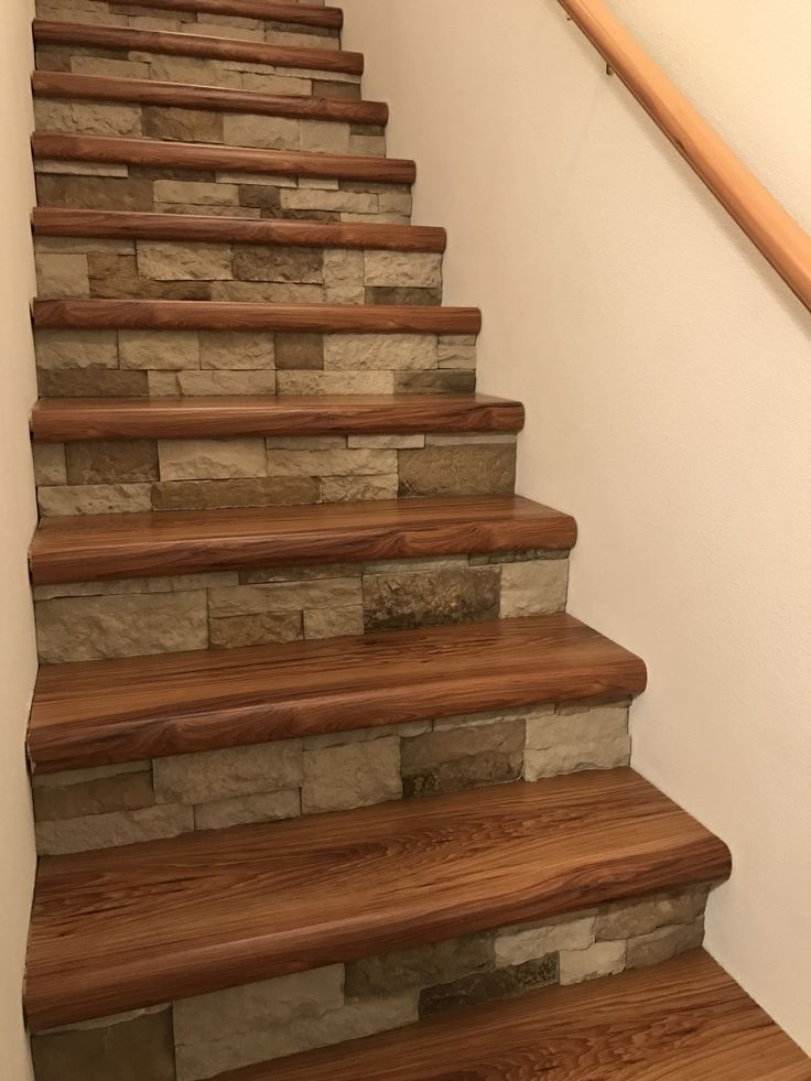 Best Cap A Tread And Airstone Stairs No More Carpet Took 400 x 300