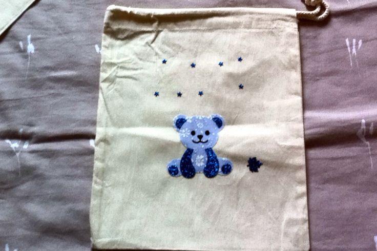 sac à doudou en coton pour garçon , petit ourson bleu : Sacs enfants par nessymatriochka