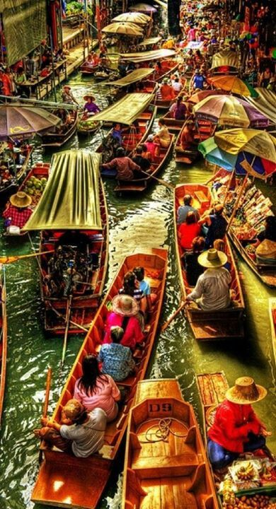 Floating market, Thailand//In need of a detox? 10% off using our discount code 'Pin10' at www.ThinTea.com.au